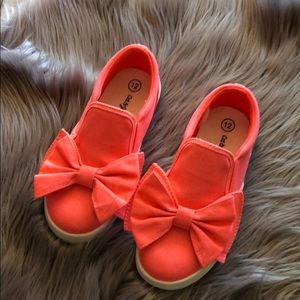 Cat and jack bow slip ons 12